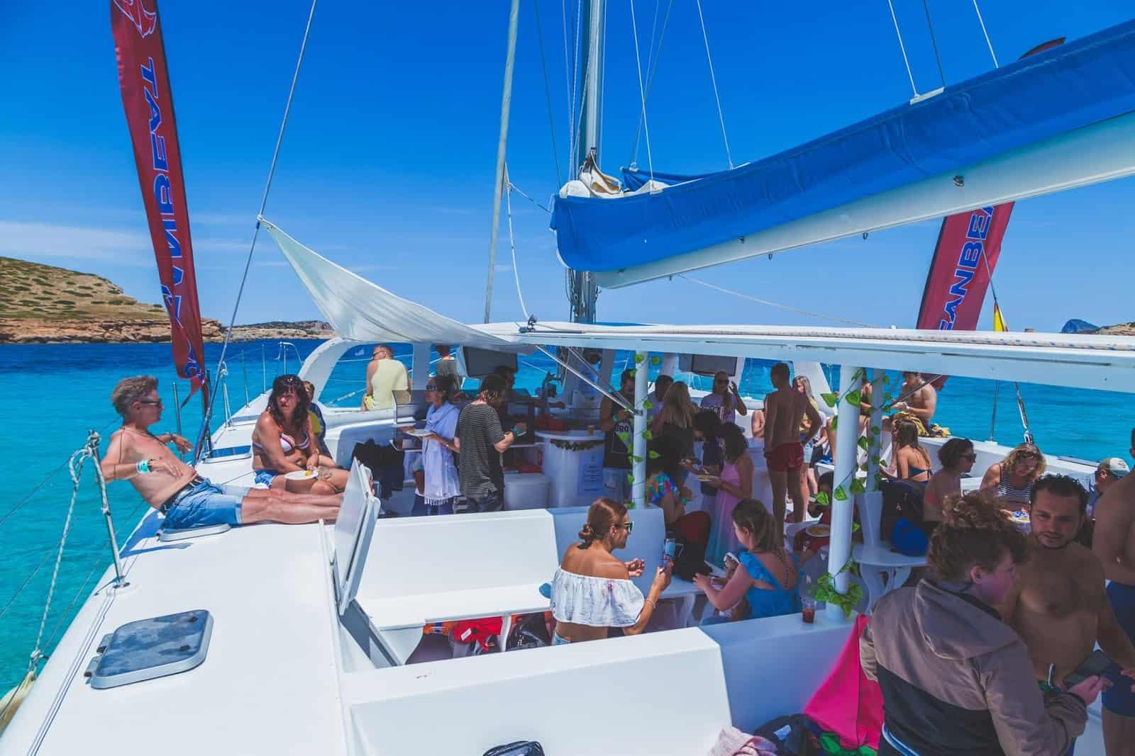 Catamaran1605paella016
